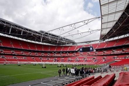 Stadion Wembley wypełnił się kibicami rugby /AFP