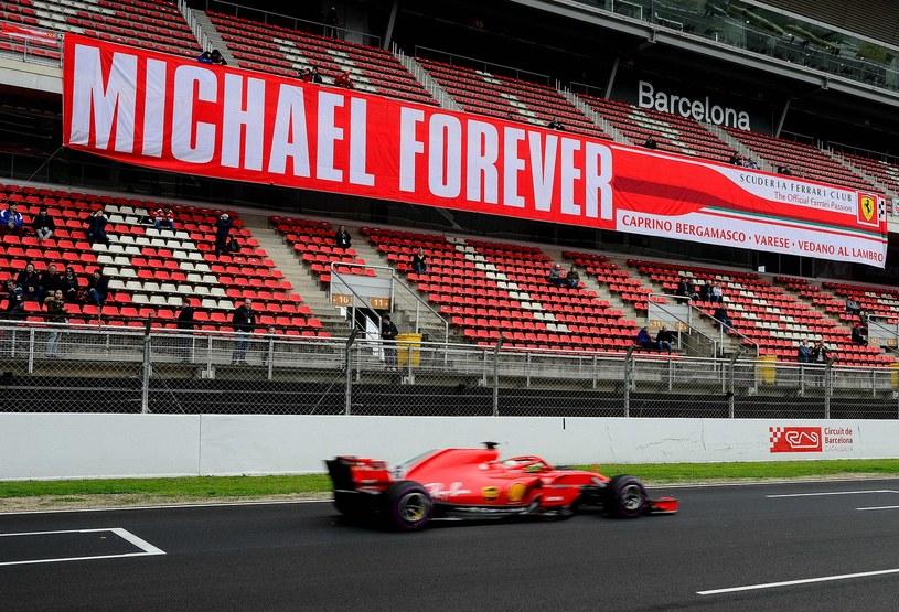 Stan Michaela Schumachera pozostaje nieznany od lat, ale kibice o nim nie zapominają /AFP