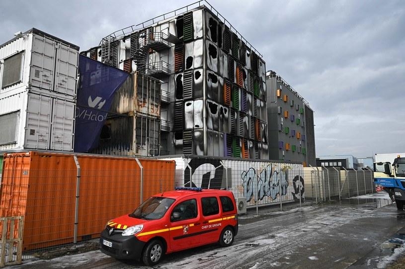 Stan poszkodowanego centrum danych Strasburgu po pożarze /AFP