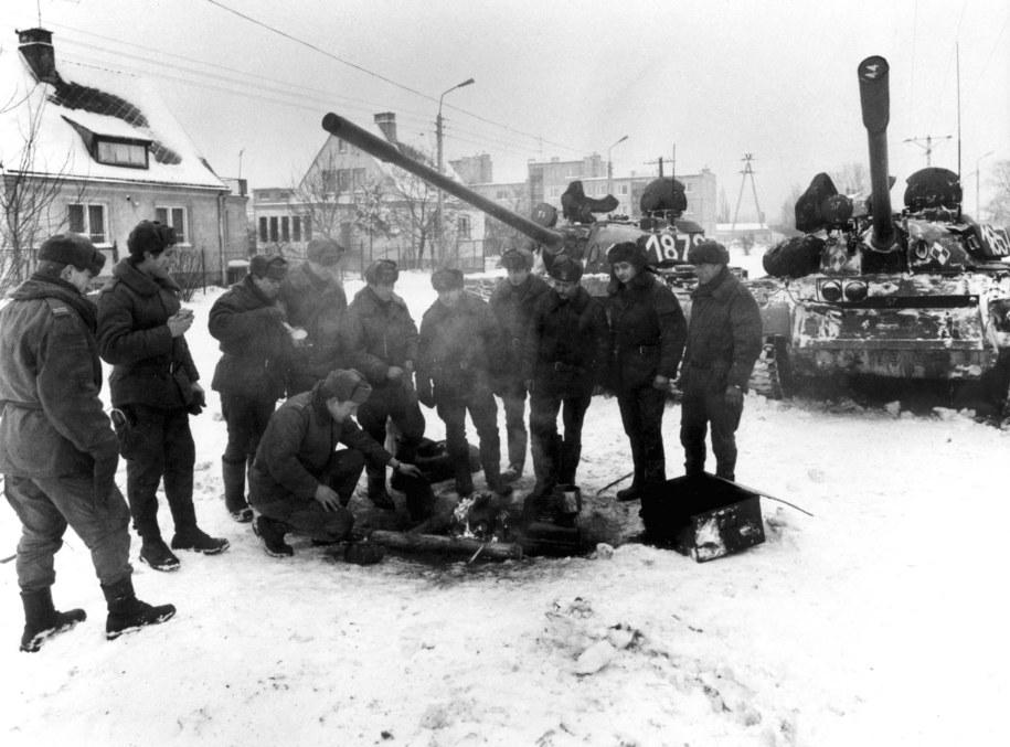 Stan wojenny został wprowadzony przez władze komunistyczne PRL 13.12.1981 r. dekretem Rady Państwa /Ireneusz Sobieszczuk /PAP