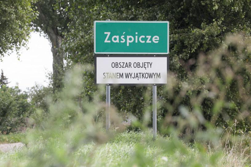 Stan wyjątkowy wprowadzono w pasie nadgranicznym z Białorusią. Przedsiębiorcy z pobliskich, wolnych od restrykcji terenów także liczą straty /Jakub Kaminski/ /East News