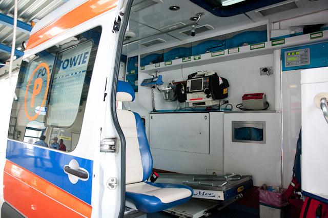 Stan zdrowia siedmiu osób sprawdza obecny na miejscu lekarz (zdjęcie ilustracyjne) /RMF24.pl