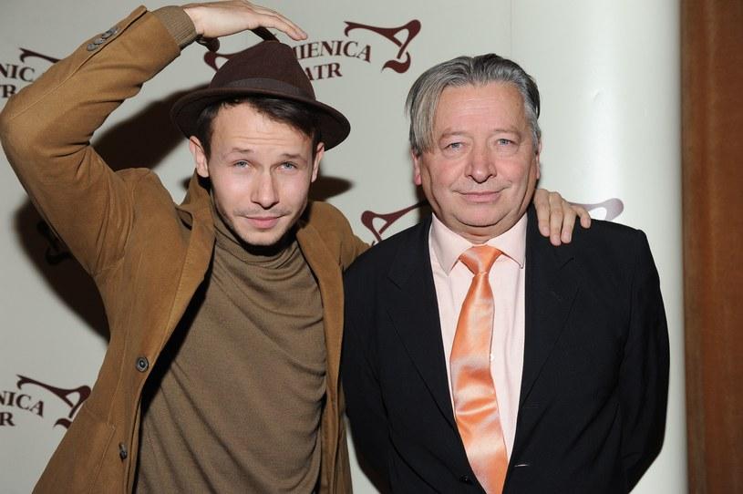 """Stanisław Banasiuk z synem na premierze spektaklu """"Old Love"""" w  2013 roku /Piotr Andrzejczak /MWMedia"""