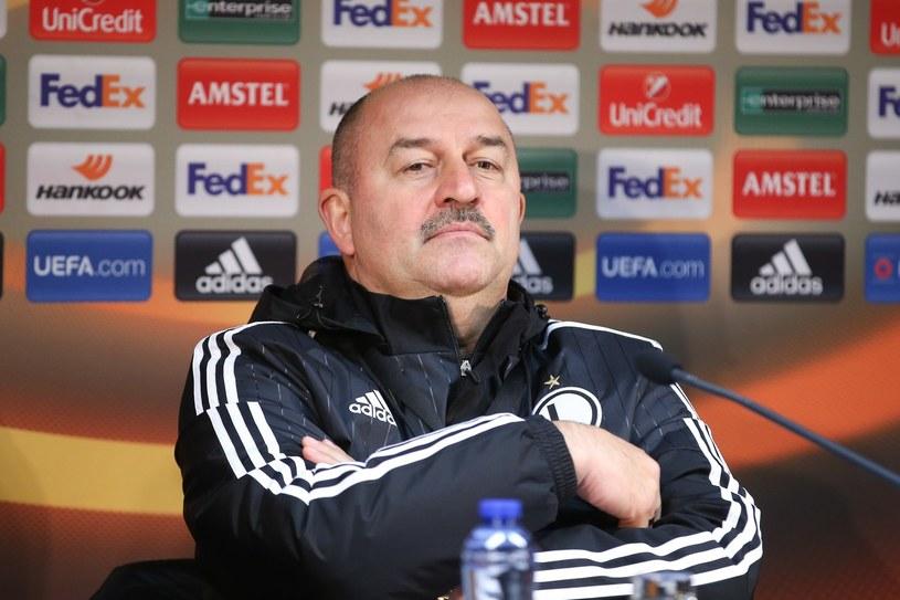 Stanisław Czerczesow podczas konferencji prasowej po meczu Ligi Europejskiej /AFP