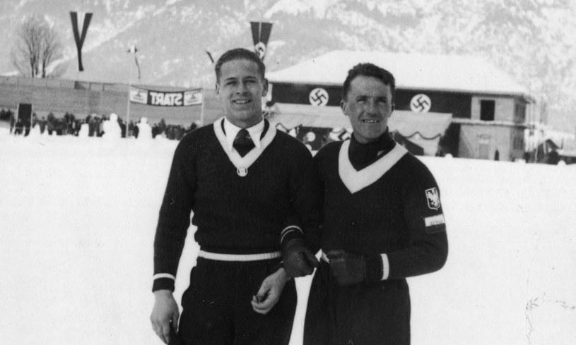 Stanisław Marusarz i Bronisław Czech w trakcie zawodów w Garmisch-Partenkirchen /Z archiwum Narodowego Archiwum Cyfrowego