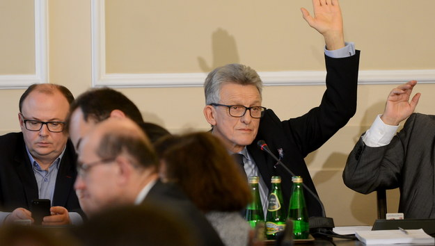 Stanisław Piotrowicz podczas posiedzenia komisji sprawiedliwości i praw człowieka /Jakub Kamiński   /PAP