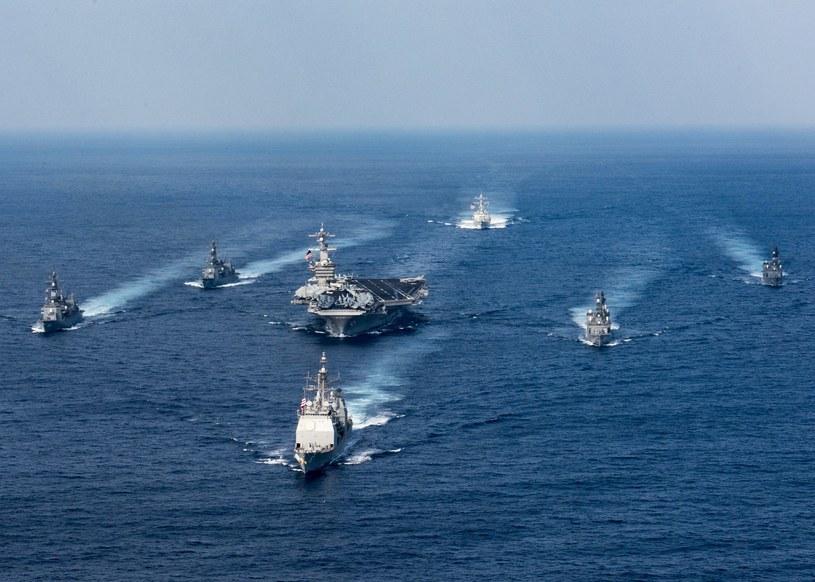 Stany Zjednoczone skierowały w stronę Korei Północnej lotniskowiec oraz kilka niszczycieli i krążowników rakietowych /PAP/EPA