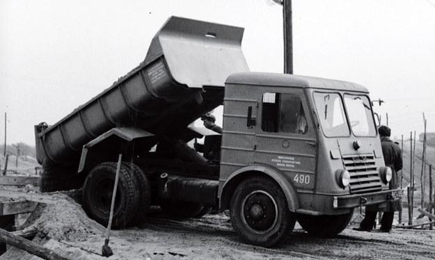 Star 20 - wywrotka z połowy lat 50./Wydawnictwo Vesper /materiały prasowe