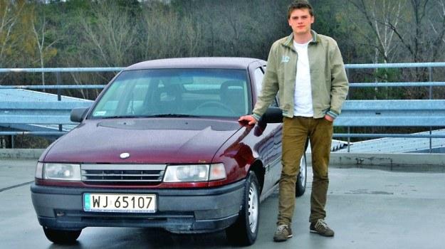 Stara, ale jara: Vectra z silnikiem 1.7D z trudem odpala w zimie (kiedyś służyła jako taksówka) i ma łyse tylne opony, ale kosztowała jedynie 900 zł. /Motor