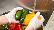 Starannie myj owoce i warzywa