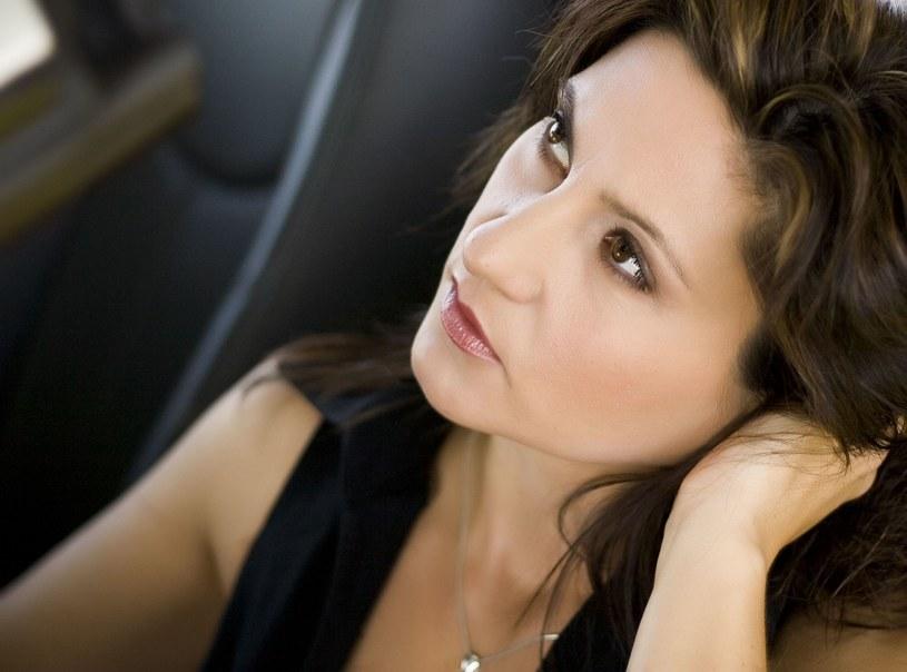 Staranny makijaż oka zajmuje sporo czasu, ale efekt jest tego wart /123RF/PICSEL