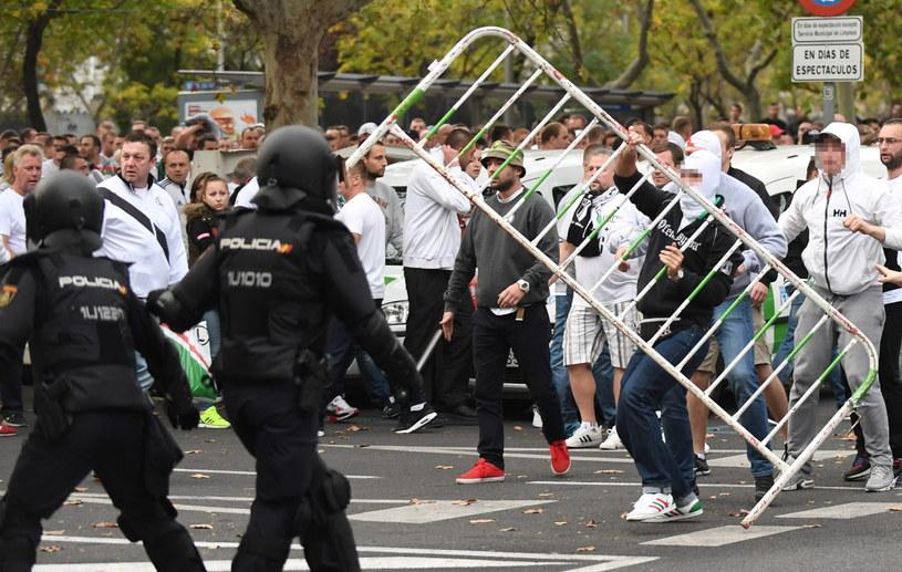 Starcia kibiców Legii Warszawa z policją w okolicy stadionu Santiago Bernabeu /Bartłomiej Zborowski /PAP
