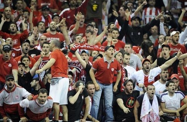 Starcia kibiców Olympiakosu Pireus i Panathinaikosu Ateny należą do niechlubnej tradycji /AFP