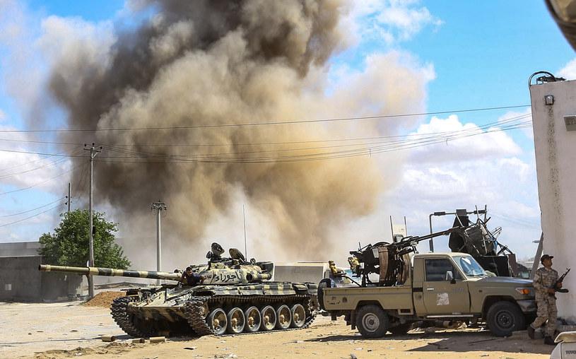 Starcia w pobliżu Trypolisu /AFP