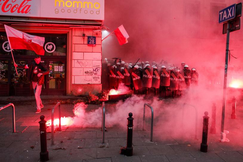 Starcia z policją podczas Marszu Niepodległości /Jerzy Dudek /Agencja FORUM