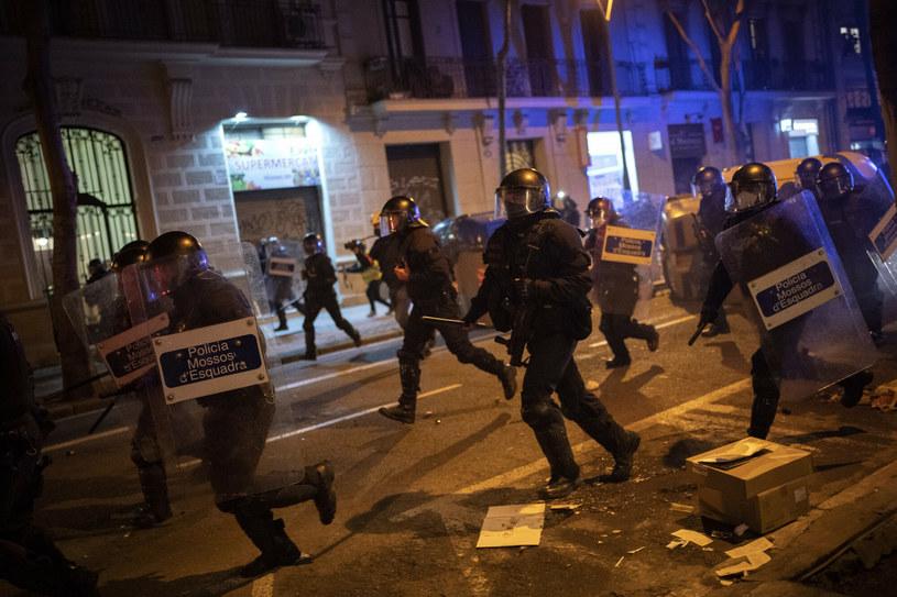 Starcia z policją w Barcelonie /AP Photo/Emilio Morenatti /East News