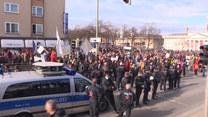 Starcia z policją. W niemieckim Kassel protestowali przeciwnicy obostrzeń