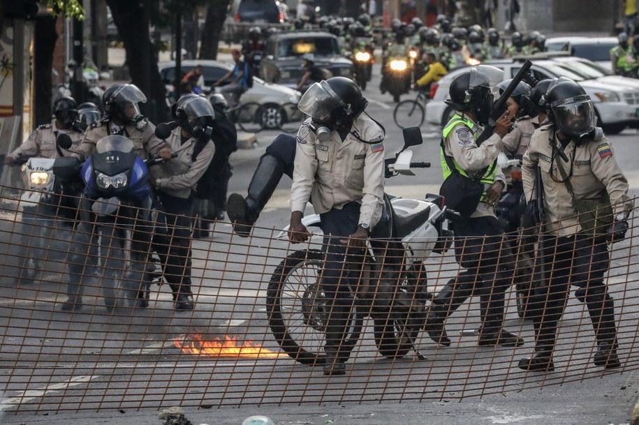 Starcia z policją /Miguel Gutierrez /PAP/EPA