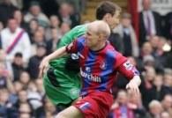 Starcie Jerzego Dudka (Liverpool) i Andy Johnsona (Crystal Palace) /AFP