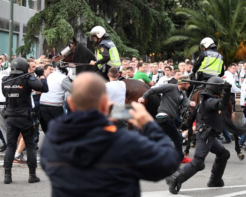 Starcie kibiców Legii Warszawa z policją w okolicy stadionu Santiago Bernabéu /Bartłomiej Zborowski /PAP