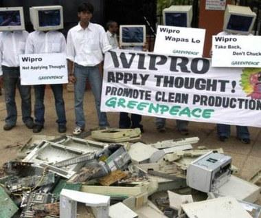 Stare komputery nie są poddawane recyklingowi?