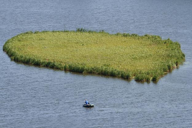 Starostwo w Ełku sprzedaje wyspę - można kupić całą lub w kawałkach /©123RF/PICSEL