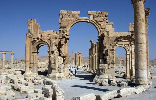 Starożytny łuk triumfalny był jednym z najcenniejszych zabytków Palmyry /AFP