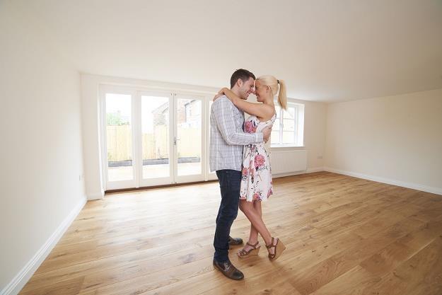 Starsze mieszkanie niekoniecznie bywają najdroższe. Nowe lokale kosztują więcej /©123RF/PICSEL