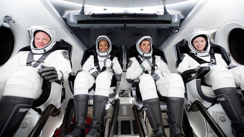 Start historycznej misji Inspiration4. SpaceX wysłało na orbitę samych cywili /Geekweek