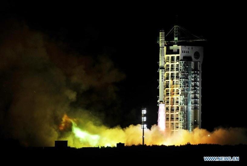 Start rakiety Długi Marsz 4C z trzema chińskimi satelitami Yaogan-17 Fot. Xinhua /Kosmonauta