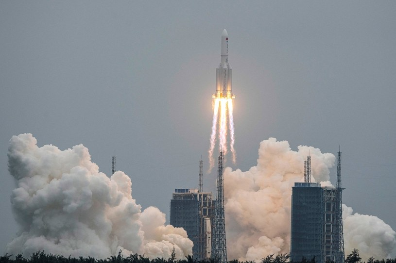 Start rakiety Długi Marsz 5B /AFP