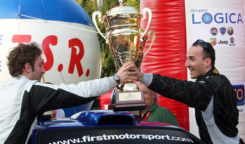 Start w  rajdzie był dla Roberta Kubica jednym z etapów rehabilitacji, a zwycięstwo - etapem psychoterapii /PAP