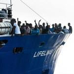 Statek Lifeline, z migrantami na pokładzie, wpuszczony na Maltę
