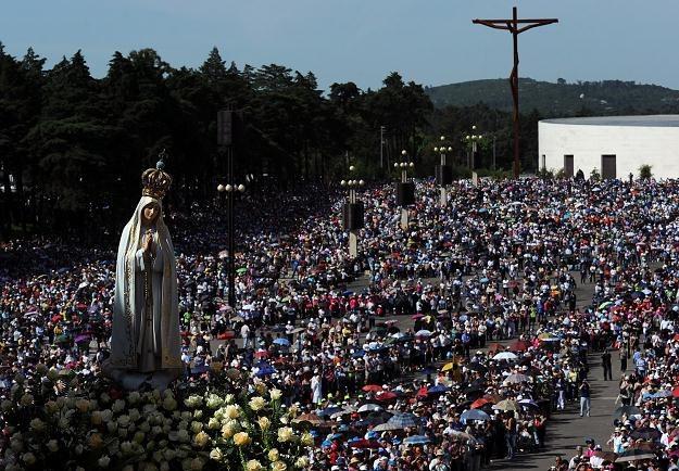 Statua Matki Bożej w Fatimie /AFP