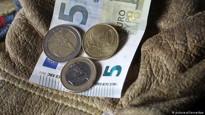 Stawki minimalne wzrosły na początku 2020 r. w 18 krajach UE /© picture-alliance/dpa  /Deutsche Welle