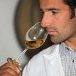 Stęchły zapach mokrej ścierki - tak pachnie zepsute wino