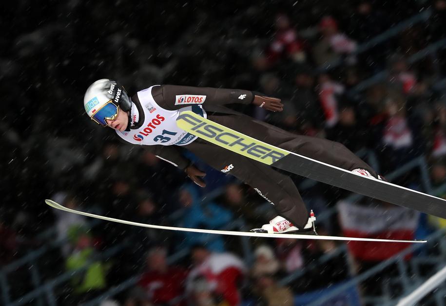 Stefan Hula podczas kwalifikacji przed sobotnim konkursem drużynowym zawodów Pucharu Świata w skokach narciarskich w Zakopanem / Grzegorz Momot    /PAP