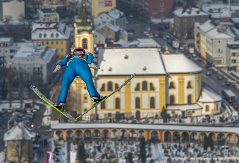Stefan Kraft, a w tle Innsbruck /AFP