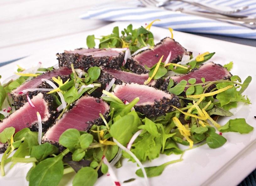 Stek z tuńczyka z sezamem /Picsel /123RF/PICSEL