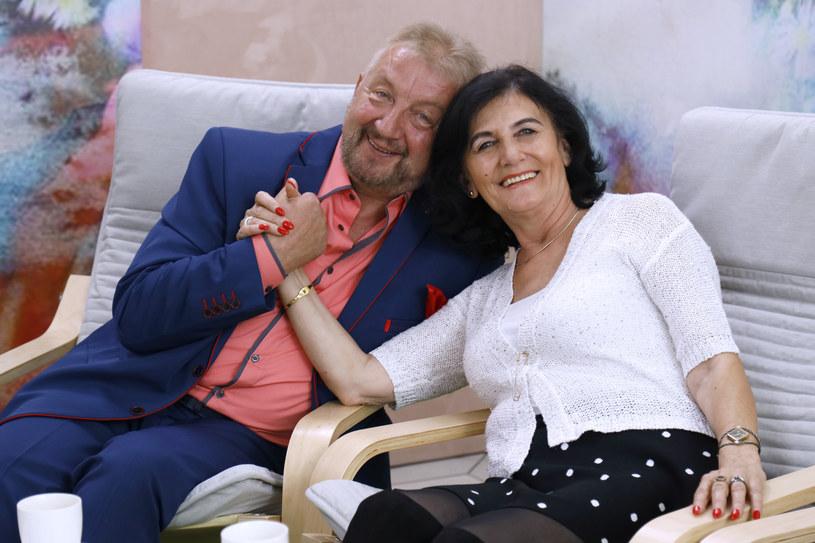 """Stenia Kowalska i Władysław Pieszko na planie """"Sanatorium miłości"""" /Gałązka /AKPA"""