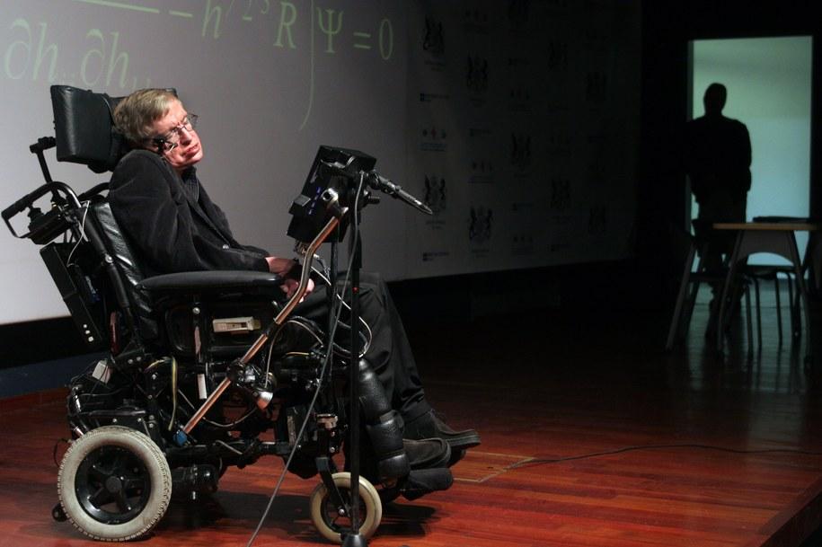 Stephen Hawking /JIM HOLLANDER    /PAP/EPA
