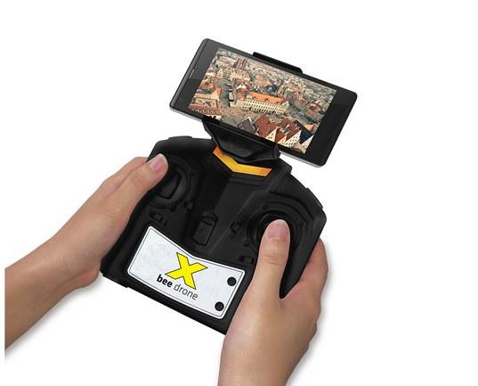 Sterowanie i/lub rejestrowanie materiału wideo przy pomocy smartfonu w kontrolerze /materiały prasowe