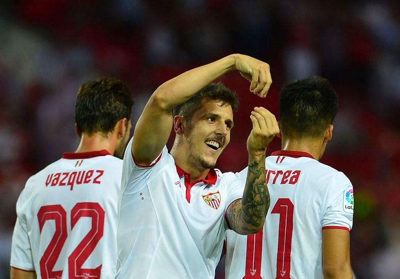 Stevan Jovetić celebruje bramkę dla Sevilli /CRISTINA QUICLER /AFP