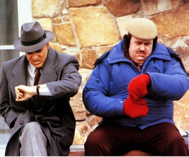"Steve Martin i John Candy w filmie ""Samoloty, pociągi i samochody"""
