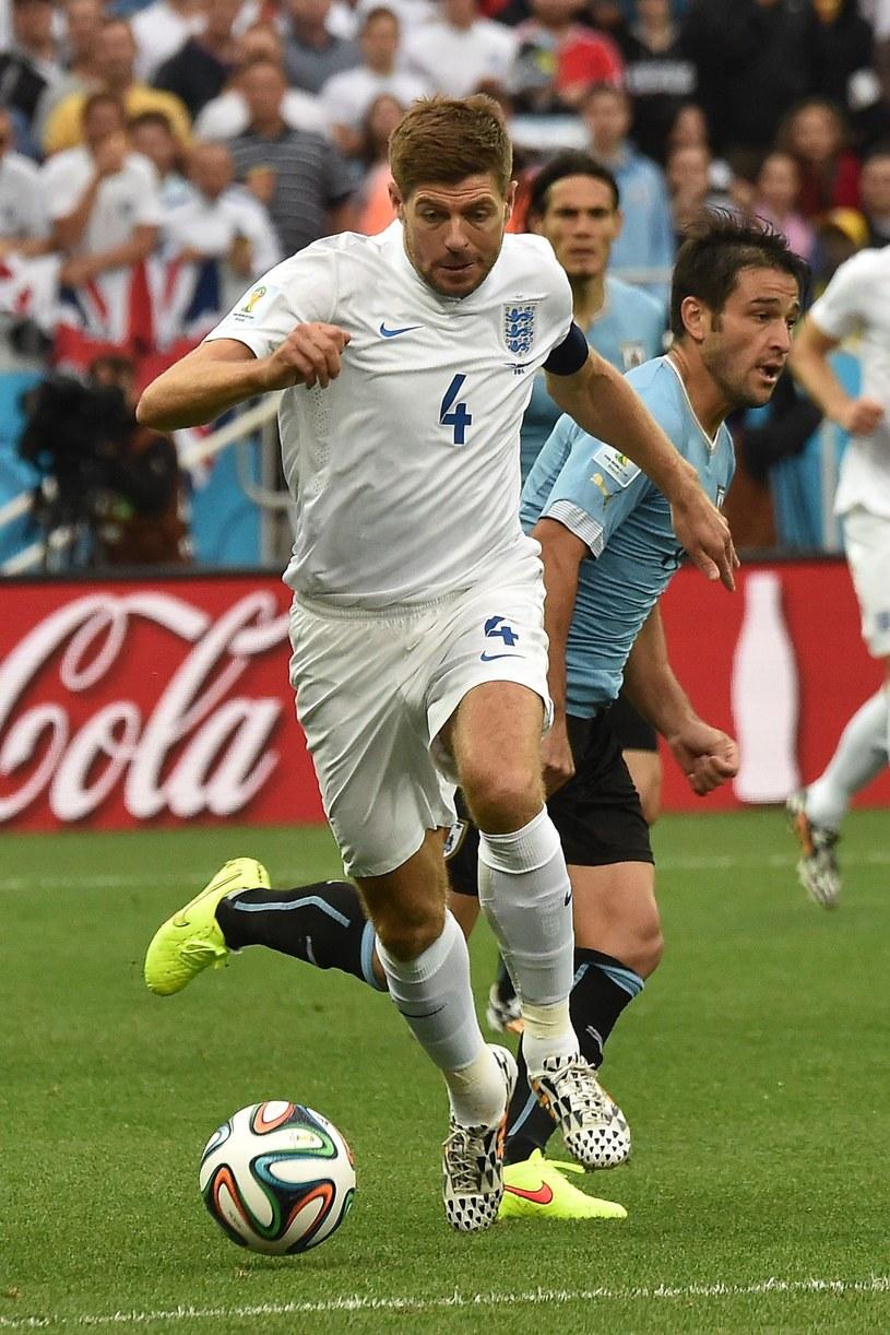 Steven Gerrard był kapitanem reprezentacji Anglii w czasie mundialu w Brazylii /AFP