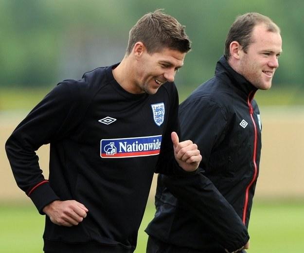 Steven Gerrard i Wayne Rooney - czy zagrają razem w Realu Madryt? /AFP