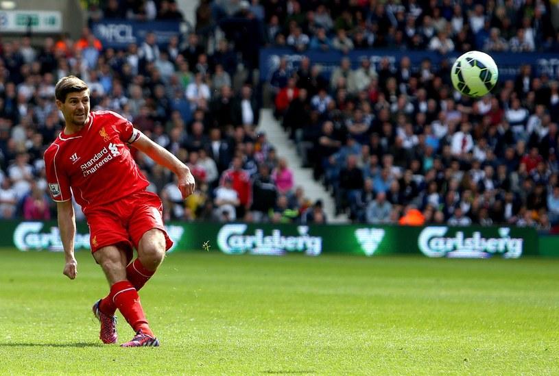 Steven Gerrard karnego zmarnował, ale strzelił zwycięskiego gola /AFP