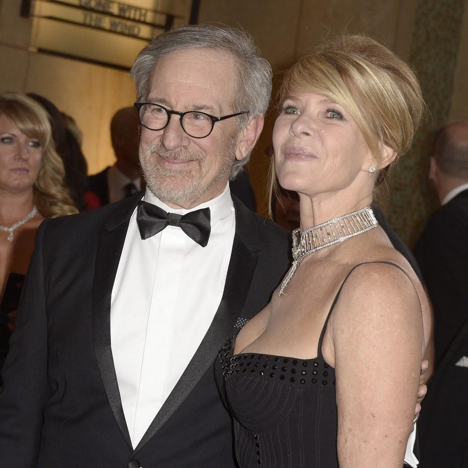 Steven Spielberg z żoną na tegorocznej gali rozdania Oskarów /PAUL BUCK  /PAP/EPA