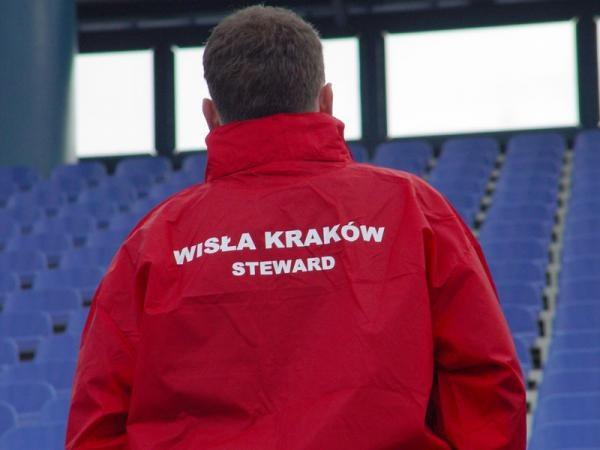 Stewardzi będą obecni na stadionie Wisły /www.wisla.krakow.pl