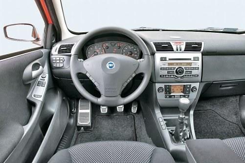 Stilo to jeden z pierwszych tak starannie wykonanych i tak dobrze wyposażonych samochodów Fiata. /Motor